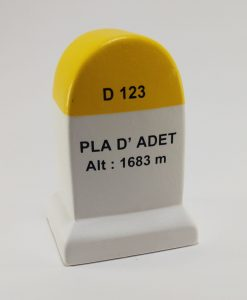 Pla d'Adet Road Marker Model