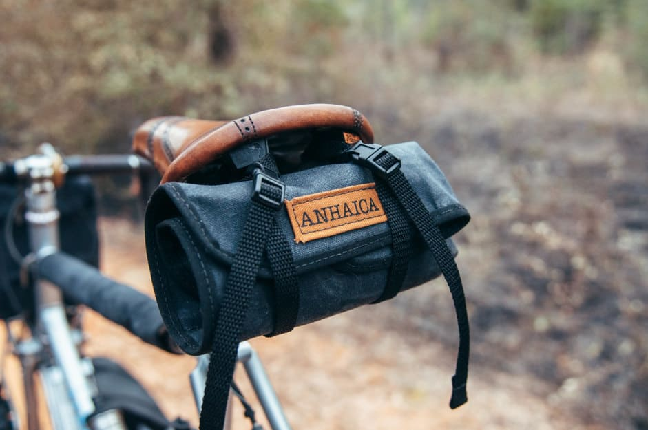 anhaica-saddle-tool-roll-black