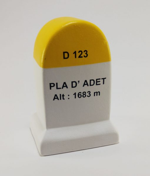 Pla d'Adet Road Marker Model