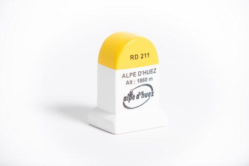 alpe d'huez road marker