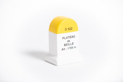 plateau de beille road marker model
