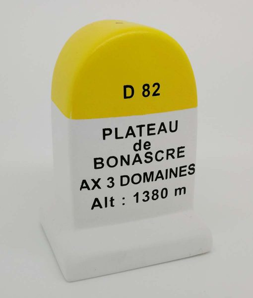 Ax 3 Domaines Road Marker Model