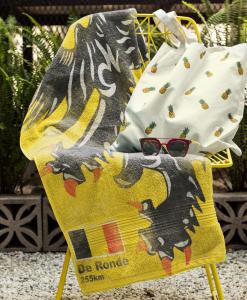 beach towel mock chair flanders lion