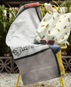 beach towel mock chair la vie claire