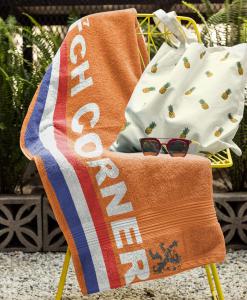 dutch corner towel on chair